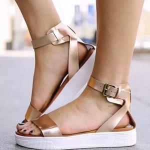 18ecb0aa752 MIA Ellen Platform Sandals Gladiator Flats Gold